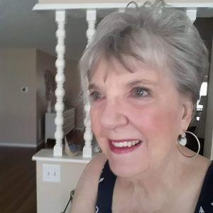 Meet your Posher, Joann